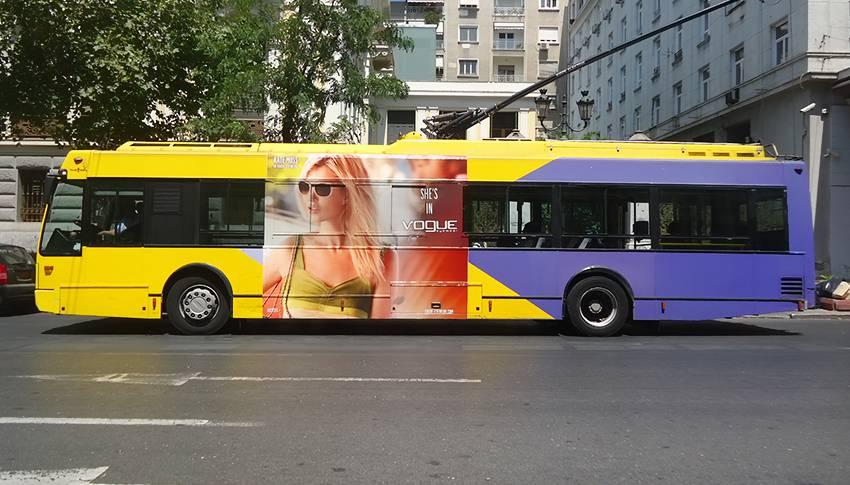 διαφήμιση σε λεωφορεία τρόλεϊ